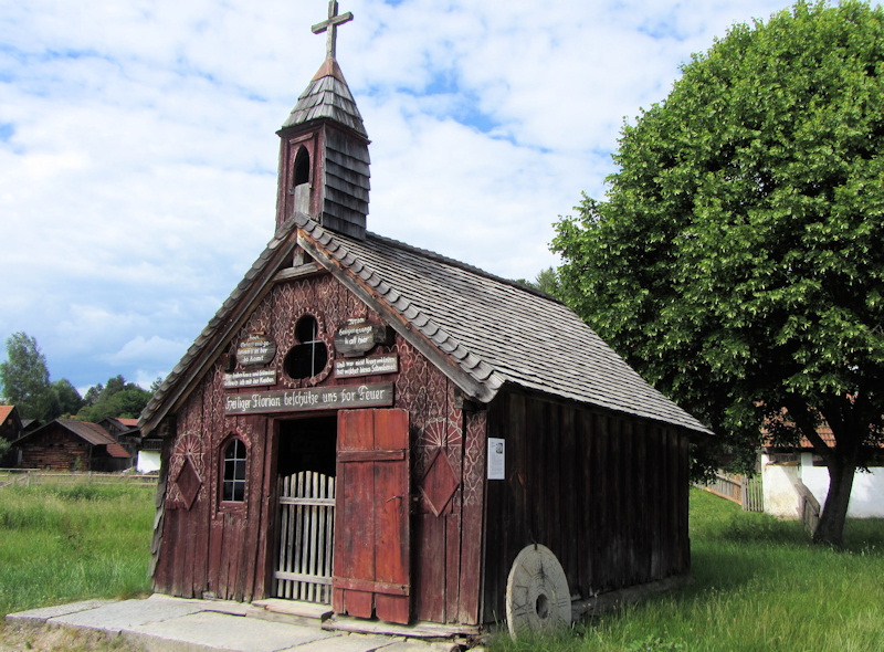 Wayside chapel to St. Florian at the Museumsdorf Bayerischer Wald